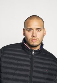 Tommy Hilfiger - CORE PACKABLE JACKET - Piumino - black - 3