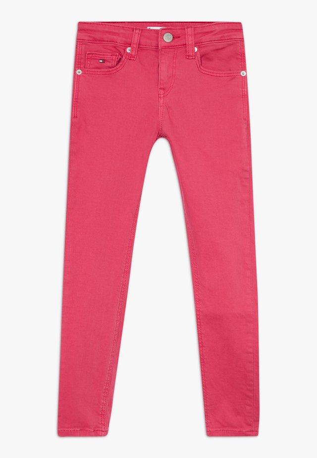 NORA SKINNY  - Jeans Skinny Fit - pink