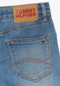 Tommy Hilfiger - NORA BASIC  - Shorts vaqueros - denim - 4