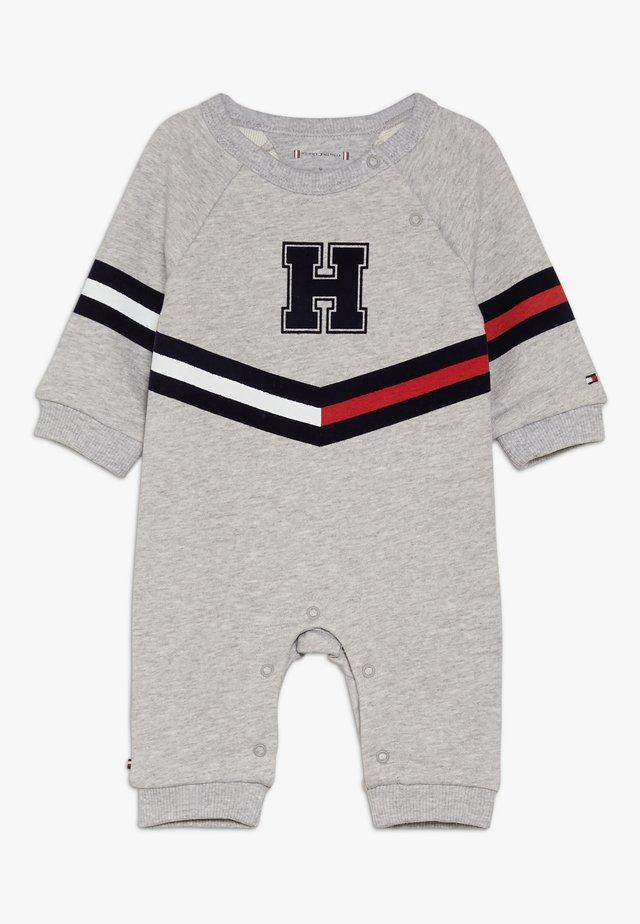 BABY PRINT COVERALL - Mono - grey heather