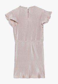 Tommy Hilfiger - PLISSE DRESS - Denní šaty - rose - 1