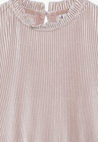 Tommy Hilfiger - PLISSE DRESS - Denní šaty - rose - 3