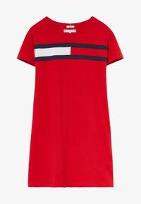 Tommy Hilfiger - FLAG DRESS  - Trikoomekko - red - 2