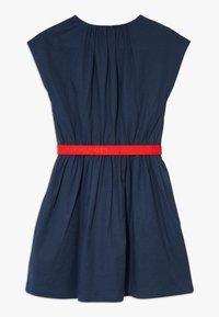 Tommy Hilfiger - SOLID BELTED DRESS - Jersey dress - blue - 1