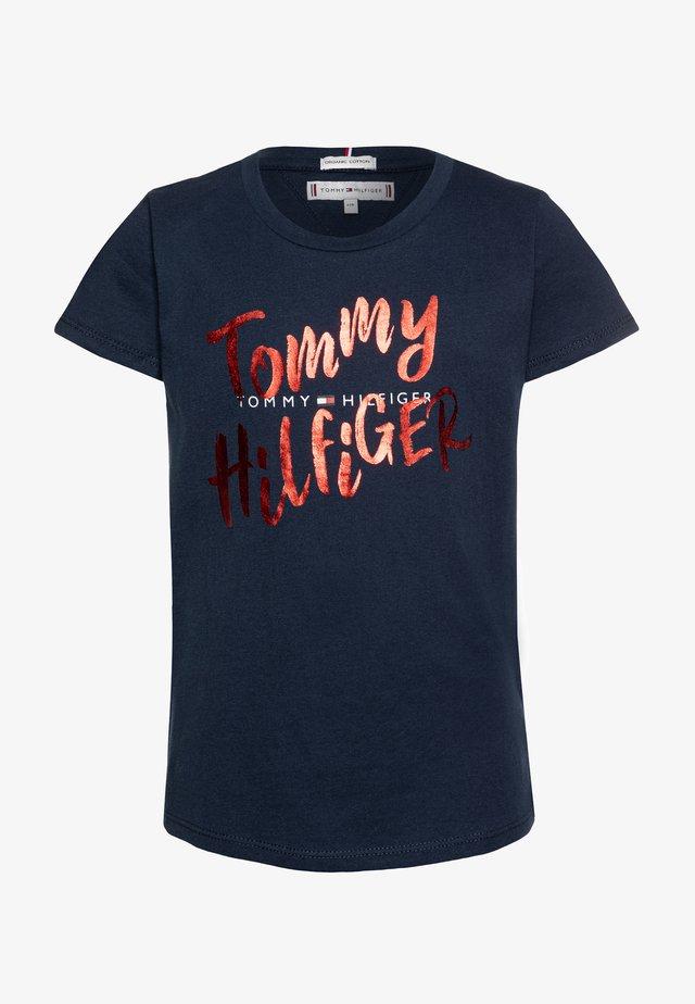 GRAPHIC ON TEE  - Print T-shirt - blue