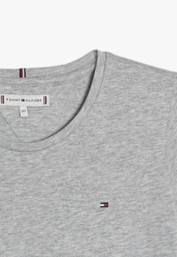 Tommy Hilfiger - ESSENTIAL - T-shirt basique - grey - 3