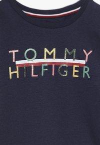Tommy Hilfiger - ICONIC LOGO CREW  - Sweatshirt - blue - 4