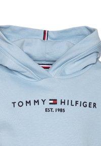 Tommy Hilfiger - ESSENTIAL HOODED - Mikina skapucí - blue - 2