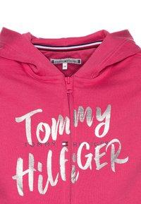 Tommy Hilfiger - GRAPHIC ON GRAPHIC ZIP THROUGH - Zip-up hoodie - pink - 2