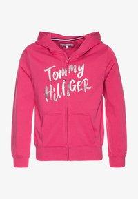 Tommy Hilfiger - GRAPHIC ON GRAPHIC ZIP THROUGH - Zip-up hoodie - pink - 0