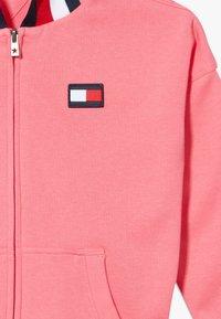 Tommy Hilfiger - GLOBAL STRIPE DETAIL - Zip-up hoodie - pink - 3