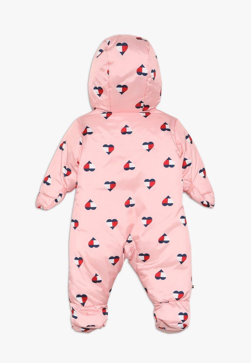 Tommy Hilfiger - BABY PRINTED SKISUIT - Mono para la nieve - pink icing