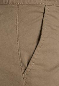 Tommy Hilfiger - BOYS  - Chino kalhoty - khaki - 2