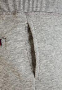 Tommy Hilfiger - BOYS BASIC  - Teplákové kalhoty - grey heather - 3