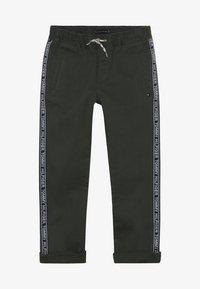 Tommy Hilfiger - TAPE PANTS - Pantalones - green - 3
