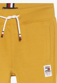 Tommy Hilfiger - ESSENTIAL SOLID - Pantaloni sportivi - yellow - 4