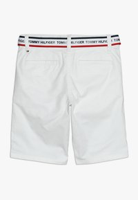 Tommy Hilfiger - ESSENTIAL DOBBY BELTED - Shorts - white - 1