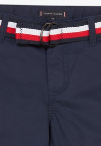 Tommy Hilfiger - ESSENTIAL BELTED - Shorts - blue - 2
