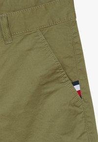 Tommy Hilfiger - ESSENTIAL  - Shorts - green - 2