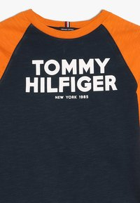 Tommy Hilfiger - COLOR BLOCK RAGLAN TEE - Longsleeve - blue - 4
