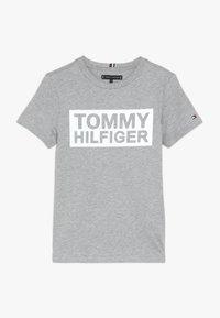 Tommy Hilfiger - SPECIAL TEE - Triko spotiskem - grey - 0