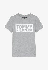 Tommy Hilfiger - SPECIAL TEE - Triko spotiskem - grey - 3