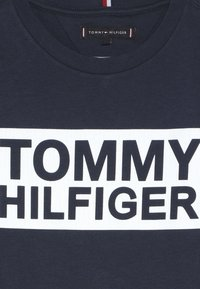 Tommy Hilfiger - SPECIAL TEE - Print T-shirt - blue - 4