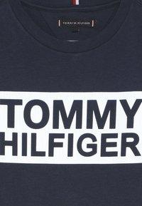 Tommy Hilfiger - SPECIAL TEE - Camiseta estampada - blue - 4