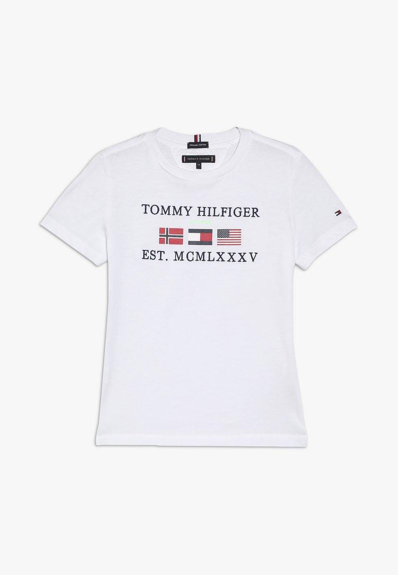 Tommy Hilfiger - FLAGS ALPINE TEE  - Triko spotiskem - white