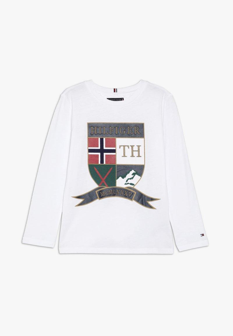 Tommy Hilfiger - EMBROIDERED SHIELD - Camiseta estampada - white