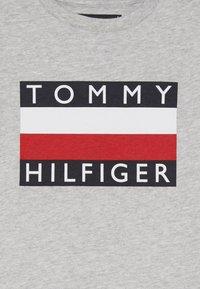 Tommy Hilfiger - ESSENTIAL TEE - Longsleeve - grey - 3