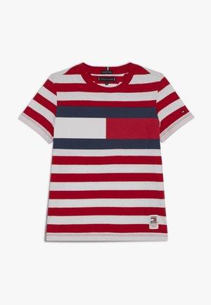 CUT SEW STRIPE TEE - T-shirt print - red
