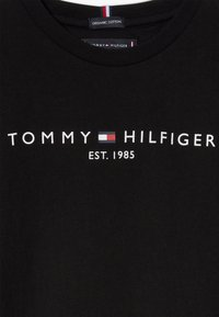 Tommy Hilfiger - ESSENTIAL TEE  - Print T-shirt - black - 3