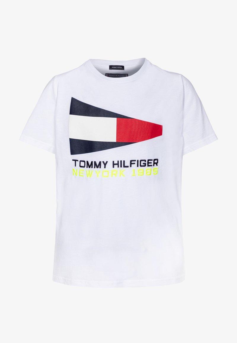 Tommy Hilfiger - FLAG SAILING GEAR TEE - Camiseta estampada - white