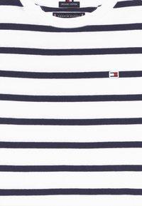 Tommy Hilfiger - NAUTICAL STRIPE - Print T-shirt - blue - 3