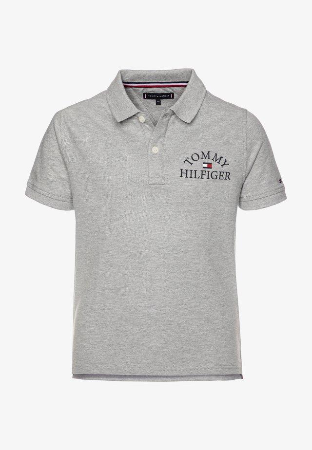 ESSENTIAL LOGO CHEST - Poloshirt - grey