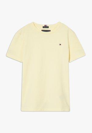 ESSENTIAL TEE  - Jednoduché triko - yellow