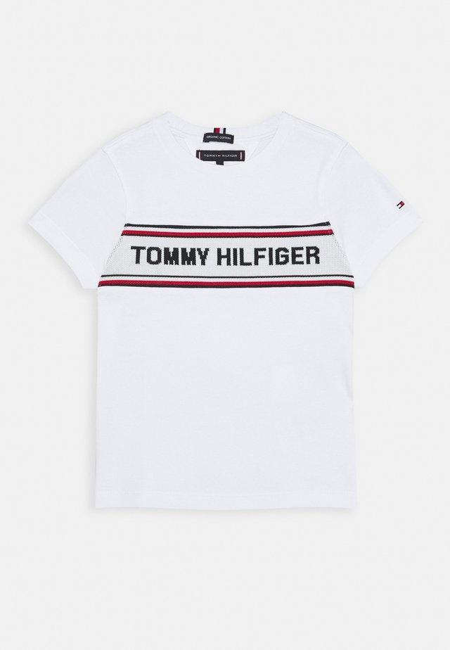 INTARSIA TEE - Camiseta estampada - white