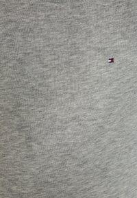 Tommy Hilfiger - BOYS BASIC - Sweatshirt - grey heather - 2