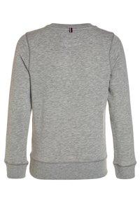 Tommy Hilfiger - BOYS BASIC - Sweatshirt - grey heather - 1