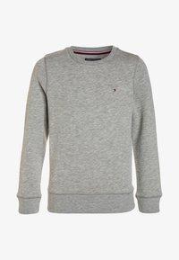 Tommy Hilfiger - BOYS BASIC - Sweatshirt - grey heather - 0