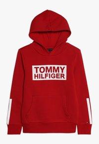 Tommy Hilfiger - SPECIAL HOODIE - Bluza z kapturem - red - 0