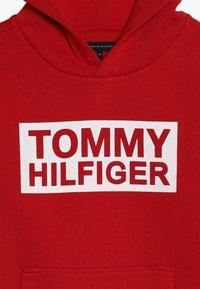 Tommy Hilfiger - SPECIAL HOODIE - Bluza z kapturem - red - 3