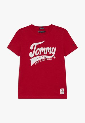 1985 TEE - Print T-shirt - red