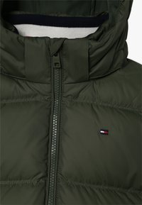 Tommy Hilfiger - ESSENTIALS JACKET - Gewatteerde jas - green - 4