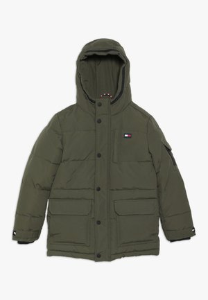 LONGER PADDED - Parka - green