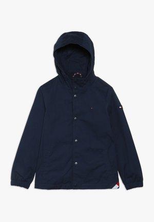 HOODED COACH JACKET - Lehká bunda - blue