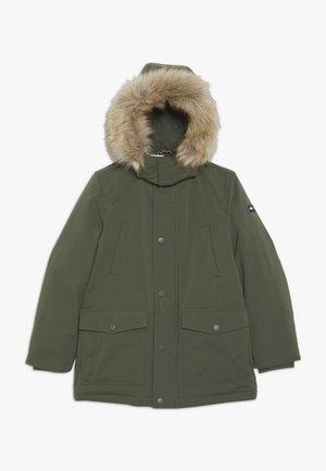 TECH  - Abrigo de invierno - green
