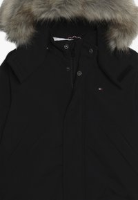 Tommy Hilfiger - TECH JACKET - Chaqueta de invierno - black - 5