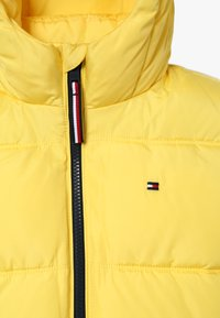 Tommy Hilfiger - ESSENTIAL PADDED JACKET - Winterjas - yellow - 3